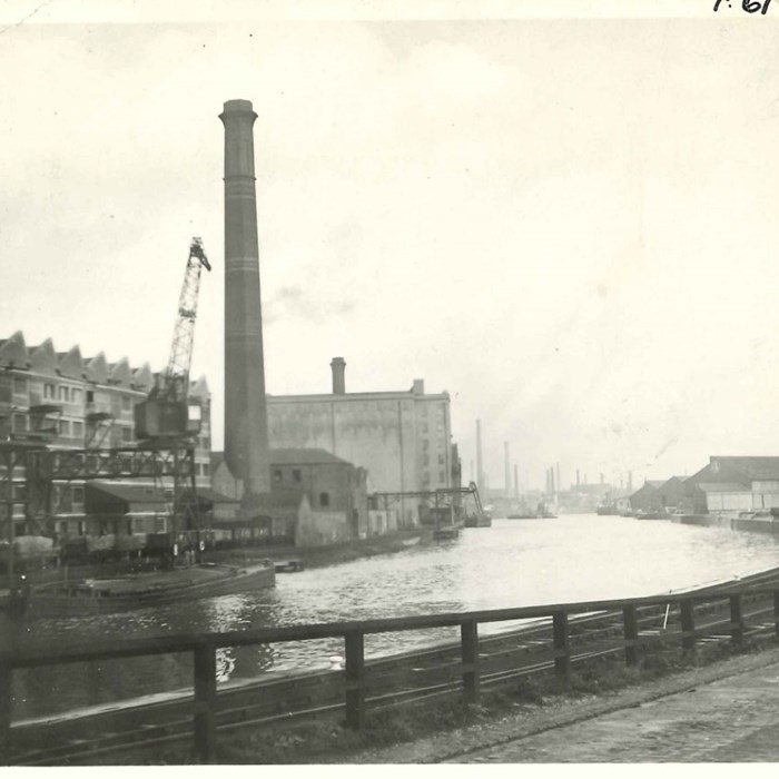 Manchester Ship Canal at Pomona 1934. Peel Archives Ref: PHO/BWC/1/6/43.